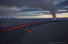 2014, Baugur, Bárðarbunga, Holuhraun, Iceland, Jökulsá á Fjöllum, Kverkfjöll, aerial, crater, erupting, eruption, flow, gas cloud, lava, sulfur dioxide, toxic gases