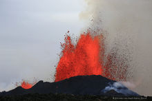 Holuhraun, Iceland, erupting, eruption, flow, glow, lava, red, volcanic