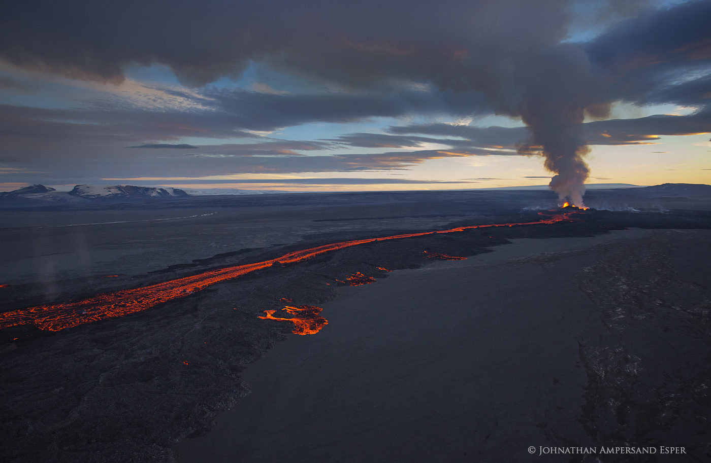 2014, Baugur, Bárðarbunga, Holuhraun, Iceland, Jökulsá á Fjöllum, Kverkfjöll, aerial, crater, erupting, eruption, flow, gas cloud, lava, sulfur dioxide, toxic gases, photo