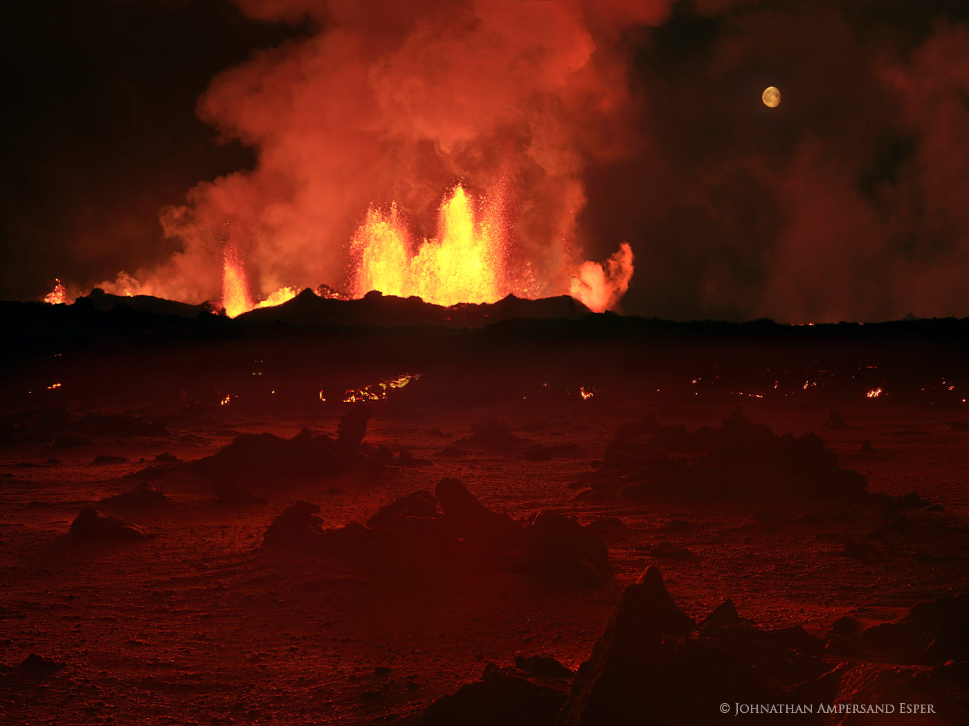 Holuhraun, Iceland, Mars, erupting, eruption, extraterrastrial, fire, fire storm, flow, glow, lava, planet, red, red rocks, volcanic, photo