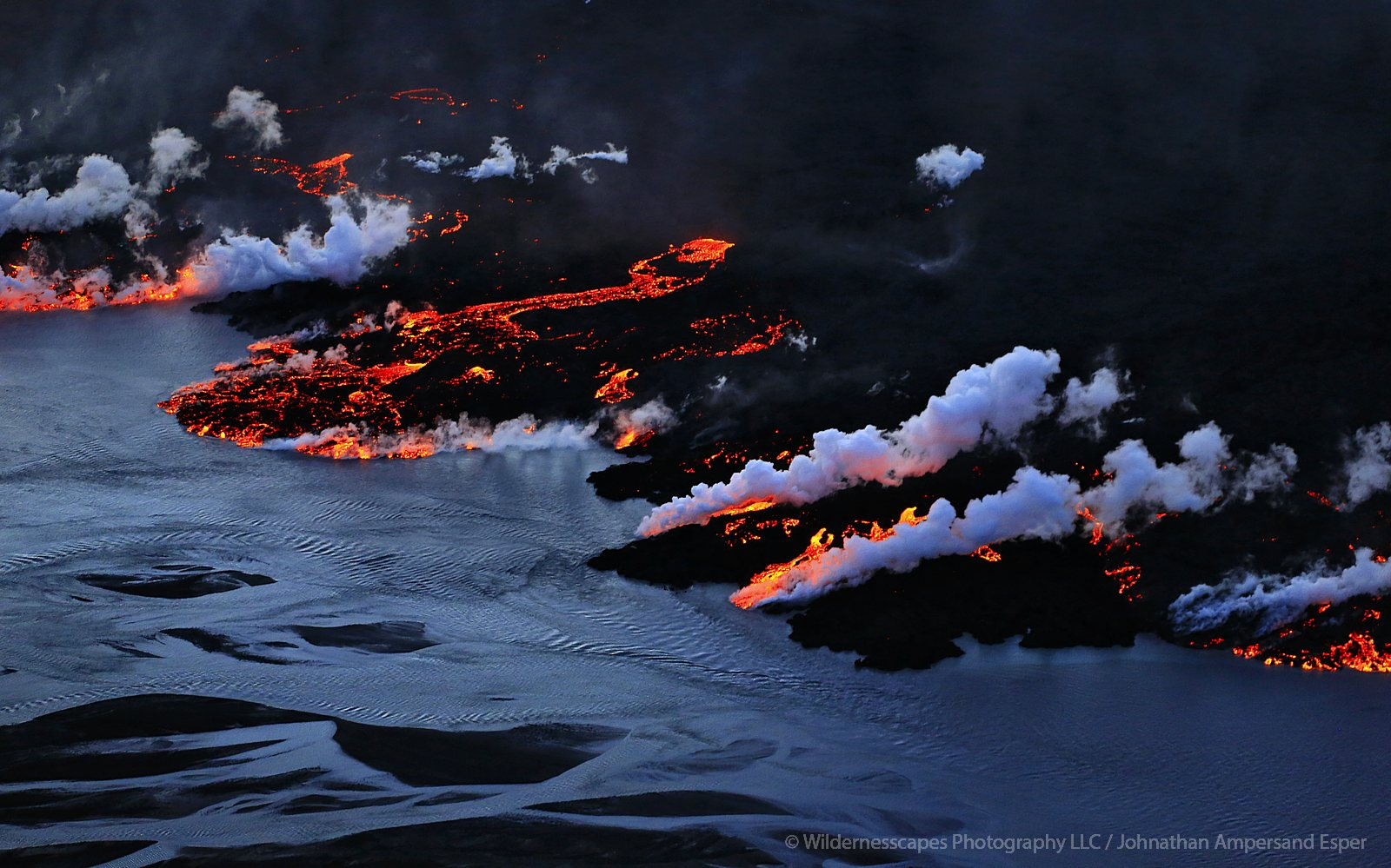 Holuhraun, Iceland, erupting, eruption, volcanic, photo