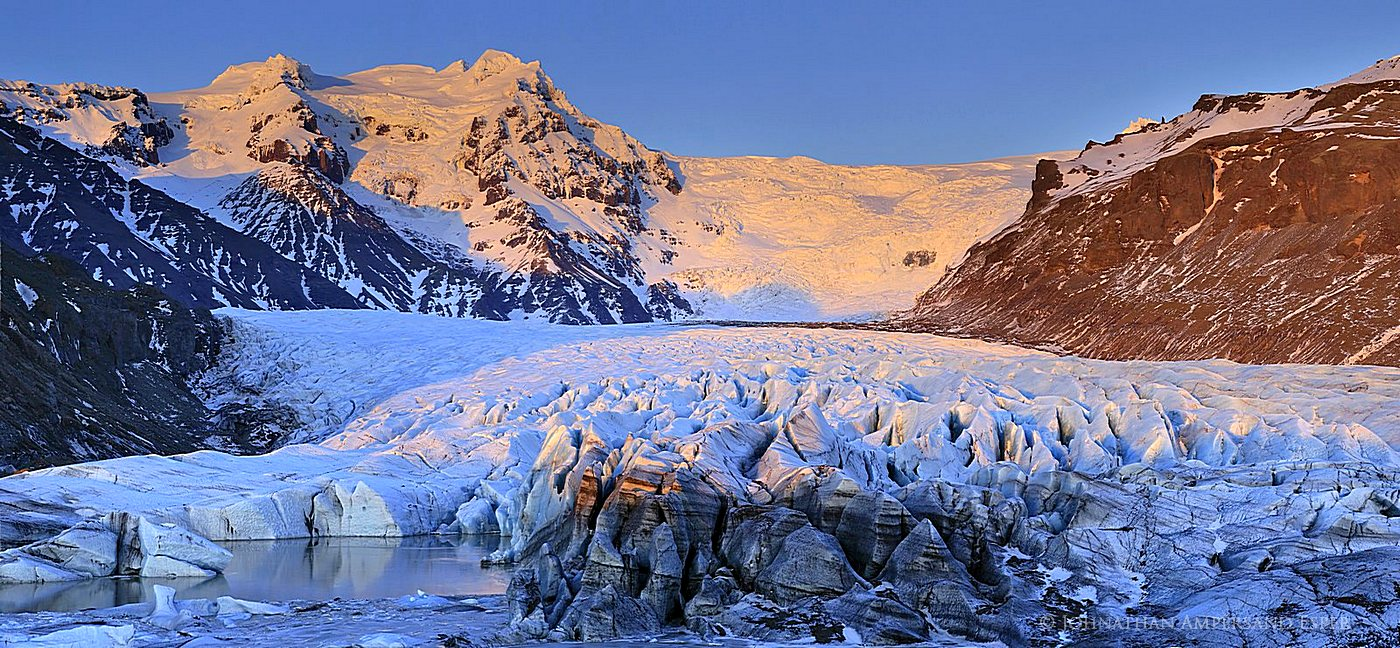Iceland,Skaftafell National Park,Svínafellsjökull,Svínafellsjökull glacier,Vatnajökull,alpenglow,floating,glacier,ice cap,ice chunk,iceberg,icecap,winter,,Svínafellsjökull,, photo