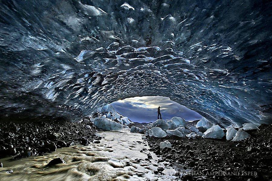 Aron Franklín,Einar Rúnar Sigurðsson,Fjalljökull,Fjalljökull glacier,Iceland,Johnathan A Esper,blue,cave,ceiling,clear,crampons,crystal,exploration,explorer,glacial,glacier,g, photo