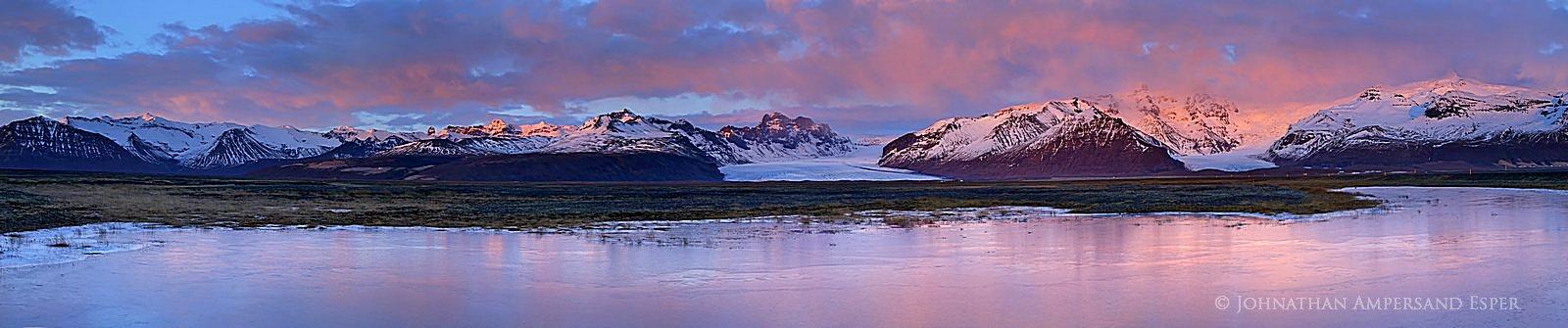Hvannadalshnúkur (far right), Iceland's highest mountain, and Vatnajökull ice field, Skaftafell National...