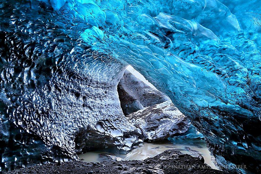 Iceland,Svínafellsjökull,Svínafellsjökull glacier,blue,cave,ceiling,clear,crystal,glacial,glacier,ice,ice cave,icecave,melting,otherworldly,winter,,Svínafellsjökull,Svínafellsj, photo