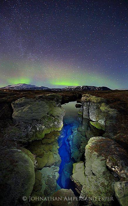 Aurora Borealis,Iceland,Northern Lights,Silfra crack,Thingvellir,aurora,band,blue,crack,green,light,light painting,sky,stars,tectonic plate,winter,ީngvellir,ީngvellir National Park,,, photo